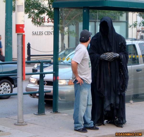 ¿Esperando al último autobús?