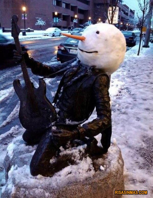 ¿Estátua o muñeco de nieve?