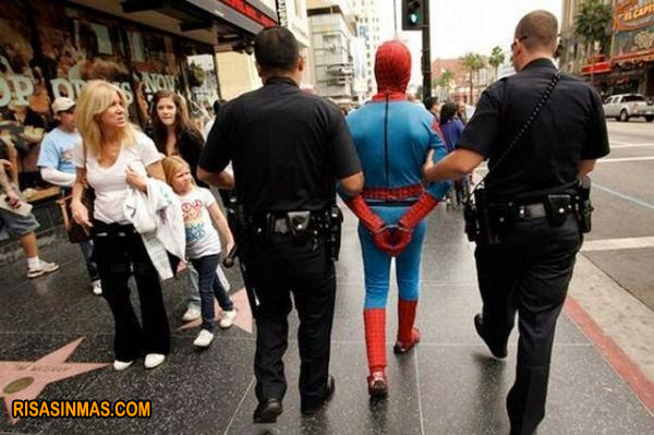 ¡Spiderman detenido!