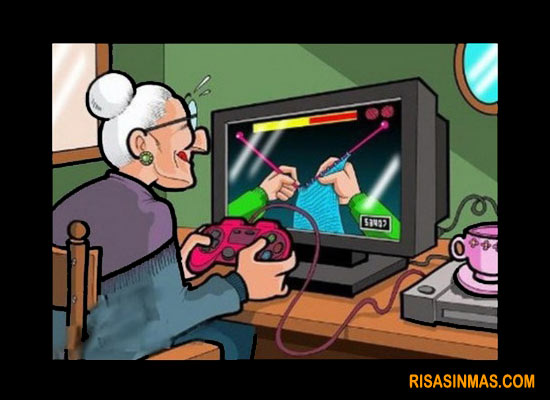 Abuela Jugando A Los Videojuegos