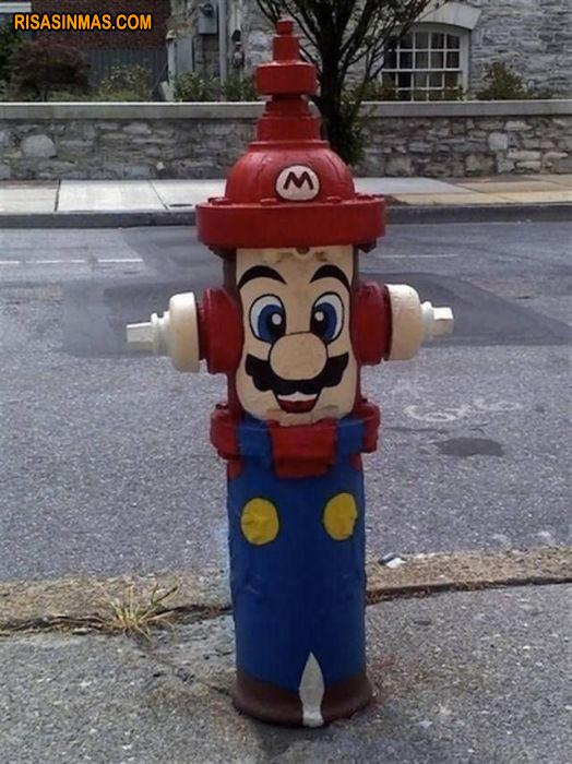 Mario Bros convertio en boca de incendio