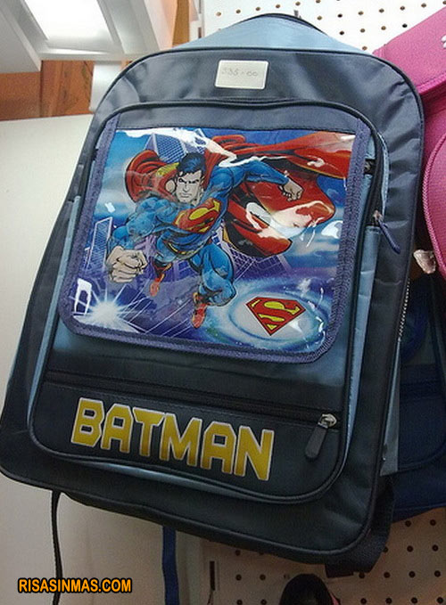 Mochila de ¿Batman o Superman?