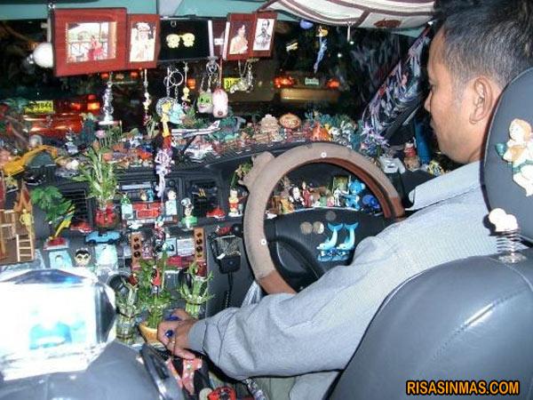 Interior de coche minimalista