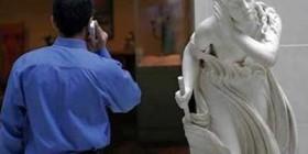 Estatua alcahueta