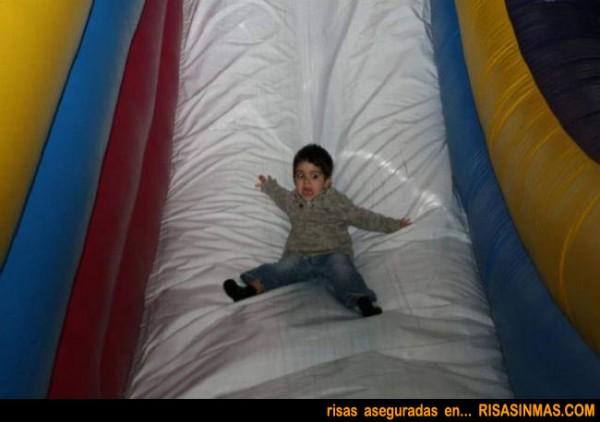 Niño divirtiendose