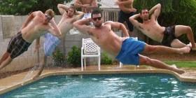 Salto a la piscina sincronizado