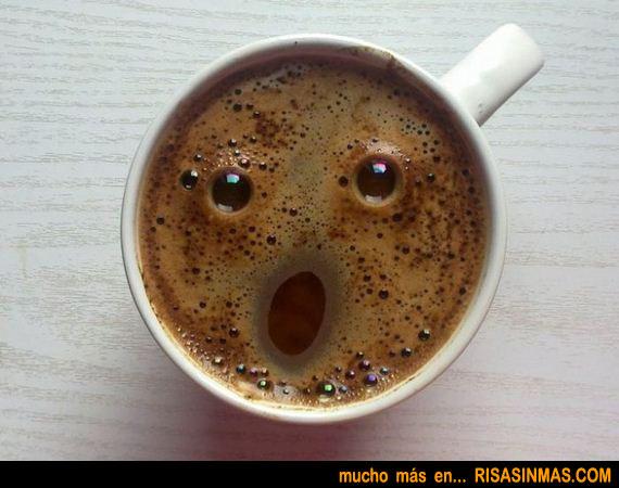 Taza de café sorprendida