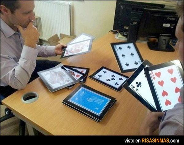 Jugando a las cartas en 2013