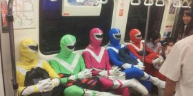 Los Power Rangers en el metro