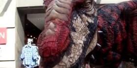 Velociraptor suelto por la calle