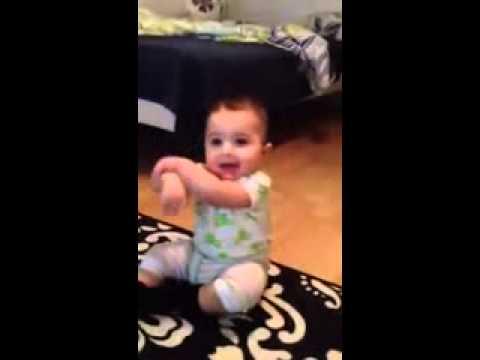 Gif de bebés bailando - Imagui