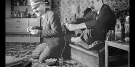 Hitler y Stalin jugando a la PlayStation