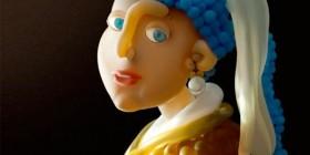 La joven de la perla hecha con globos