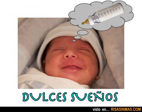 Bebé soñando con su biberón