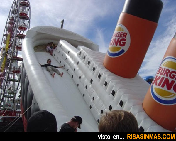Hinchable de feria Titanic