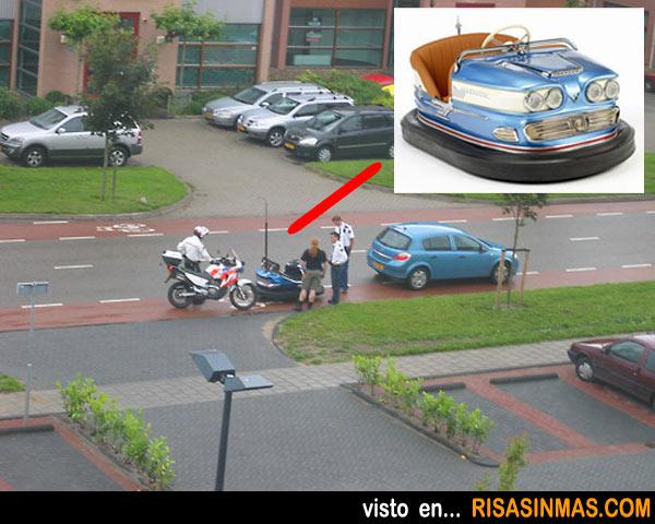 Usando el carril bici con un auto de choque