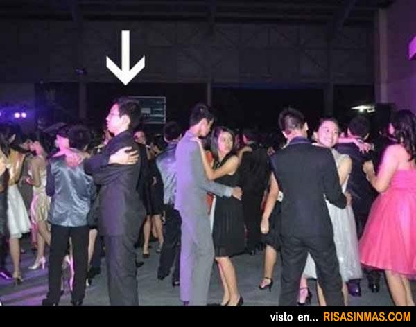 Bailando solo no es bailar