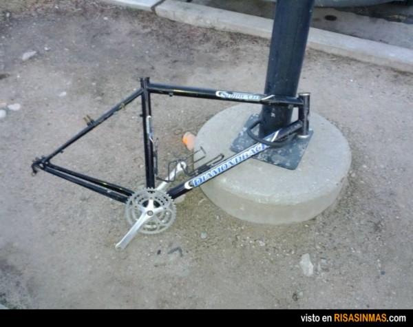 Ufff, casi se llevan la bici