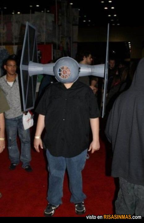 Disfraces horribles: Interceptor Tie