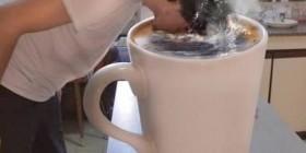 ¡Los lunes necesito una gran taza de café!