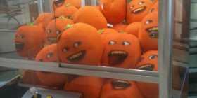 Peluches naranja psicópata