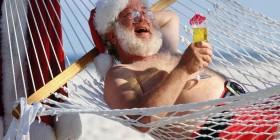 Papá Noel de vacaciones de verano