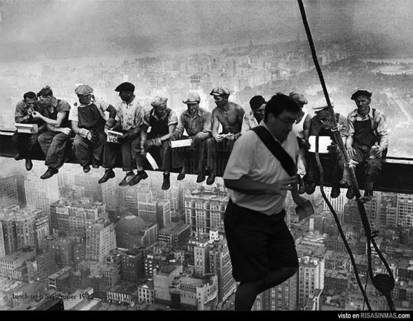 Almuerzo en lo alto de un rascacielos by el arruina fotos