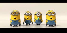 Minions cantando en la presentación de Gru 2 Mi villano favorito