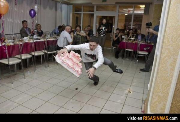 ¿Quién llega antes al suelo?