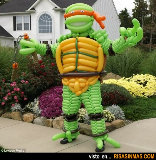 Tortuga ninja hecha con globos