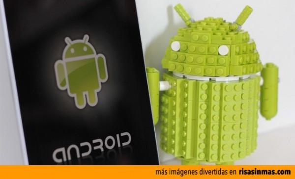 Andy la mascota de Android hecho con LEGO