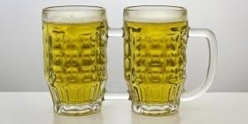 Jarra de cerveza especial parejas