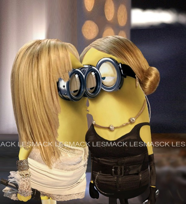 Madonna y Britney Spears Minions: Beso