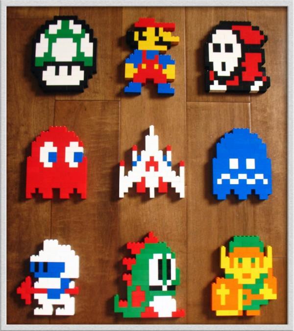 Personajes de videojuegos de 8 bits hechos con LEGO