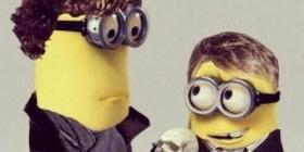 Protagonistas de la serie Sherlock versión Minions