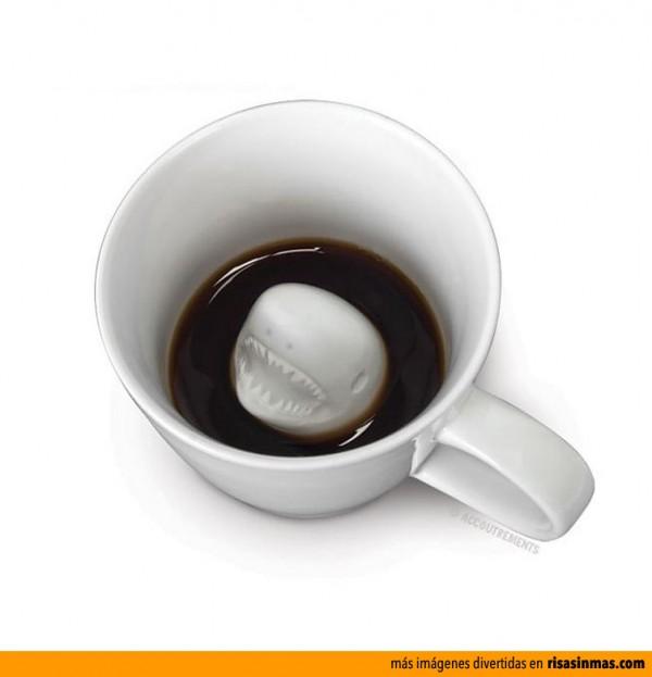 Tazas de cafe originales: Tiburón