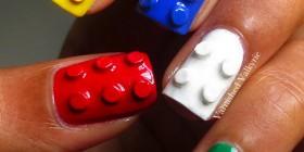 Uñas LEGO