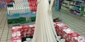 Vestido de papel higiénico