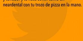 Comer pizza con cuchillo y tenedor