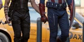 Ojo de Halcón y Capitán América son pareja