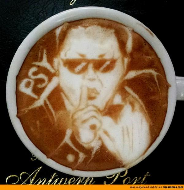 PSY hecho en un café