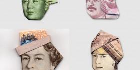 Personajes con gorros hechos con billetes