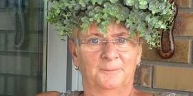 Señora con un peinado muy natural