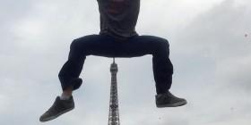 Las fotos normales con la Torre Eiffel son aburridas