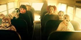 Autobús camino de fiesta de Halloween