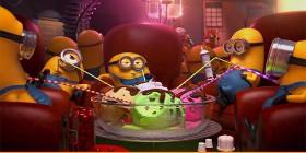 Los Minions comiendo helado