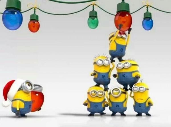 Los Minions preparando la Navidad