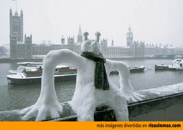 Muñecos de nieve divertidos: Alien