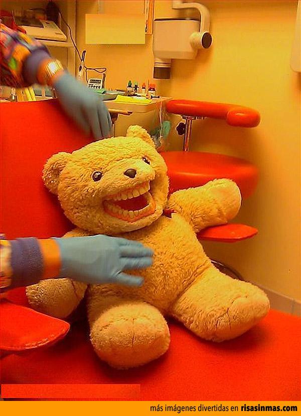 Osito en el dentista