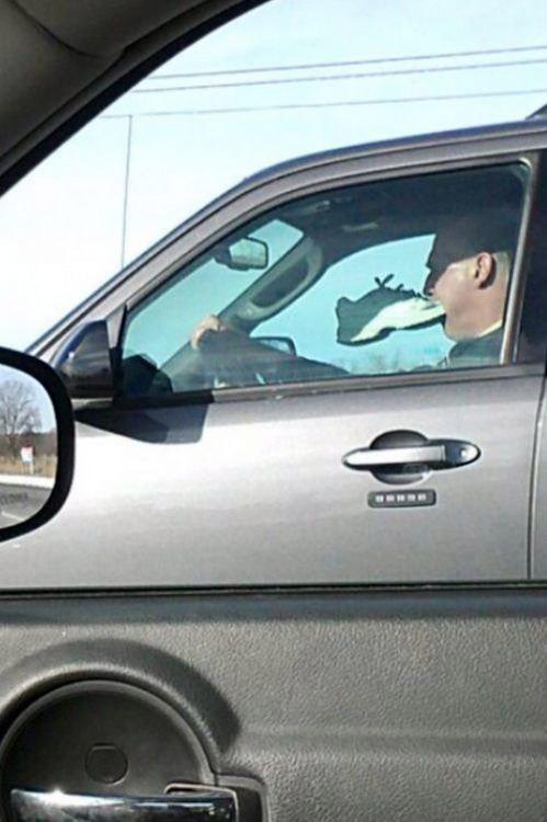 Picoteando algo en el coche